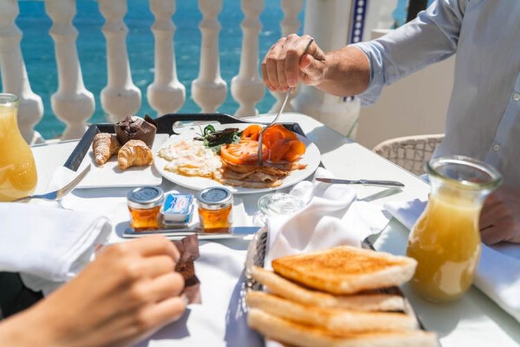 Déjeuner hôtel villa venecia boutique benidorm