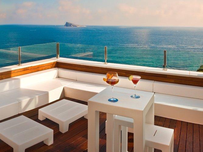 Chillout sur la terrasse hôtel villa venecia boutique benidorm